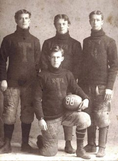 1898-ut-football-players