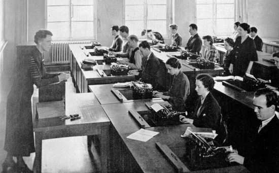 1937-waggener-hall-typing-class