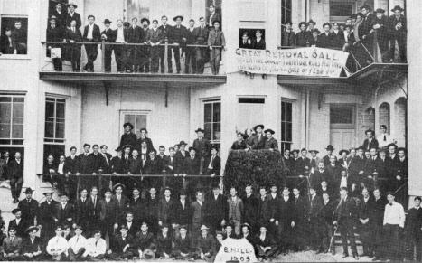 B Hall Residents 1905
