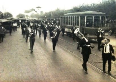Pig Bellmont Funeral Procession.Jan 5 1923.1.