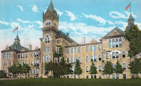 Old Main.1910s.Postcard.2.