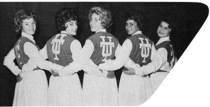 1961 Cheerleaders