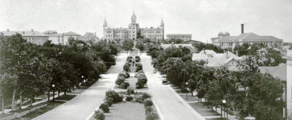 University Avenue.1910s