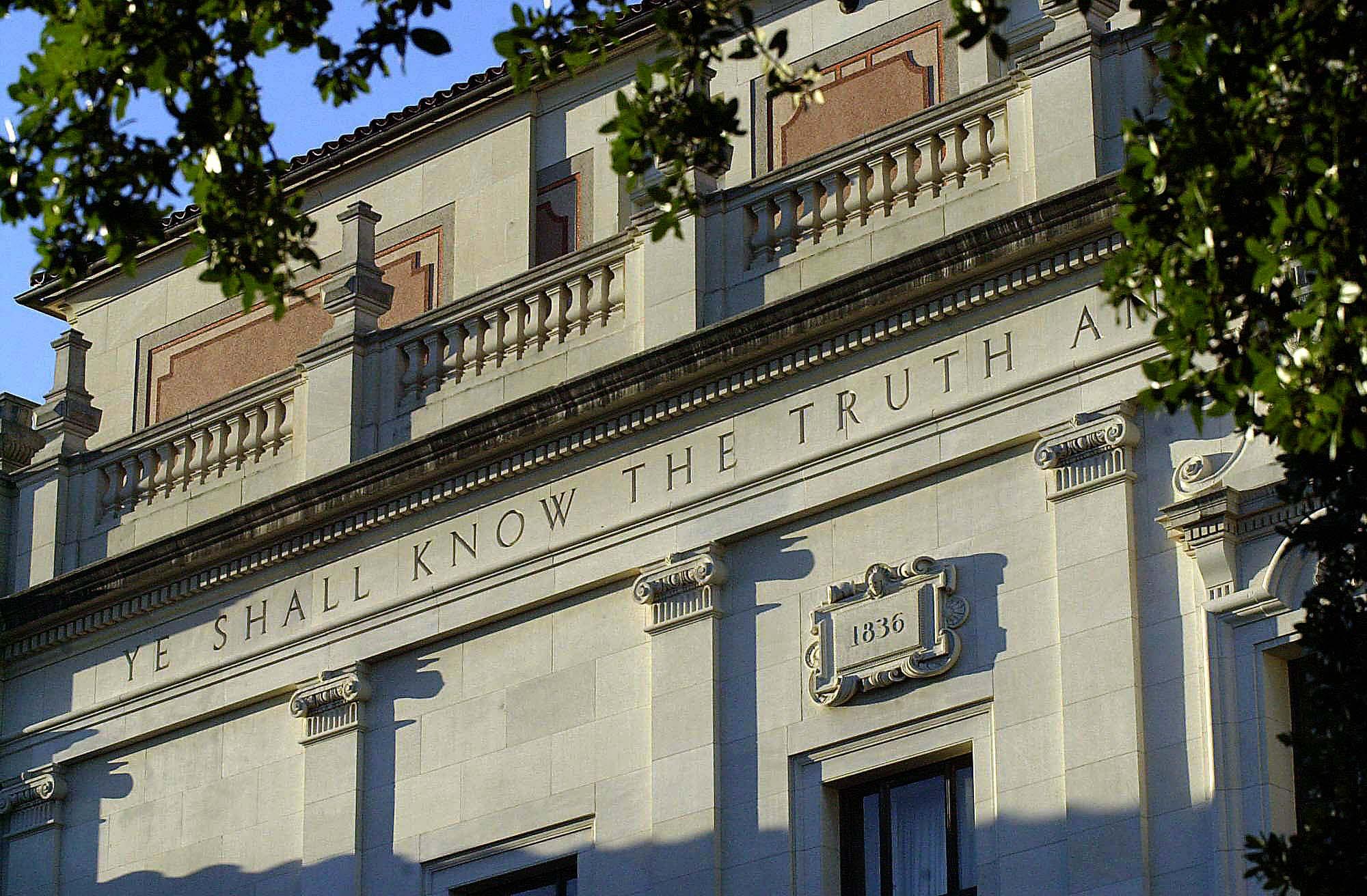 The inscription the ut history corner for House builder