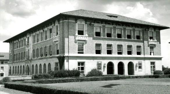 garrison-hall-1930s
