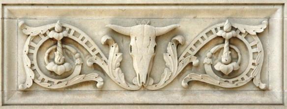 garrison-hall-longhorn-skull