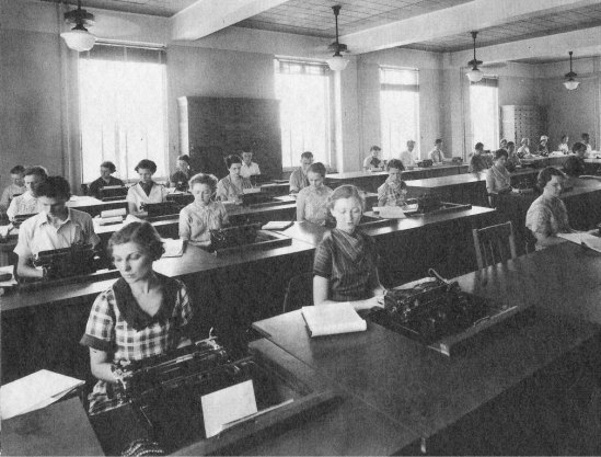 1937-typing-class-business-waggener-hall